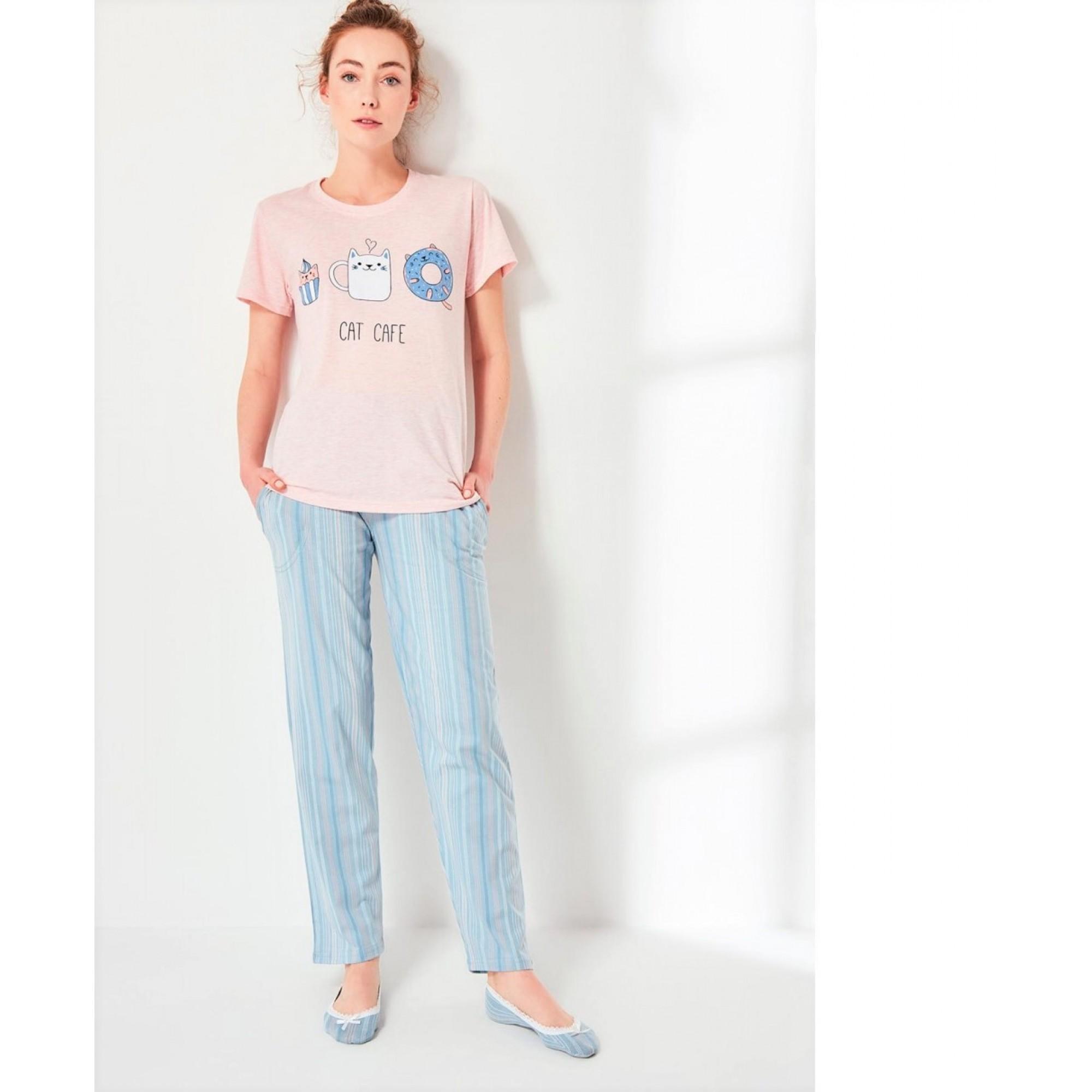 Дамска пижама Cat Café с къс ръкав